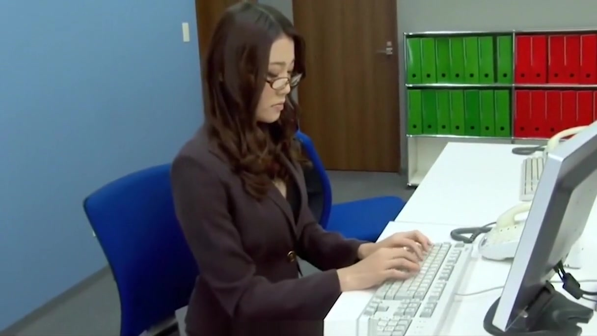 Subtitles - Boss fucked her japanese secretary Ibuki Prince harry dating cousin