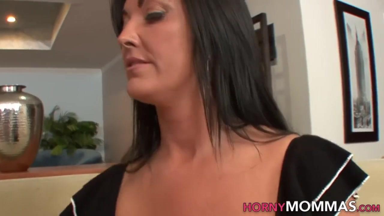 Porn masturbate lesbiab Milf