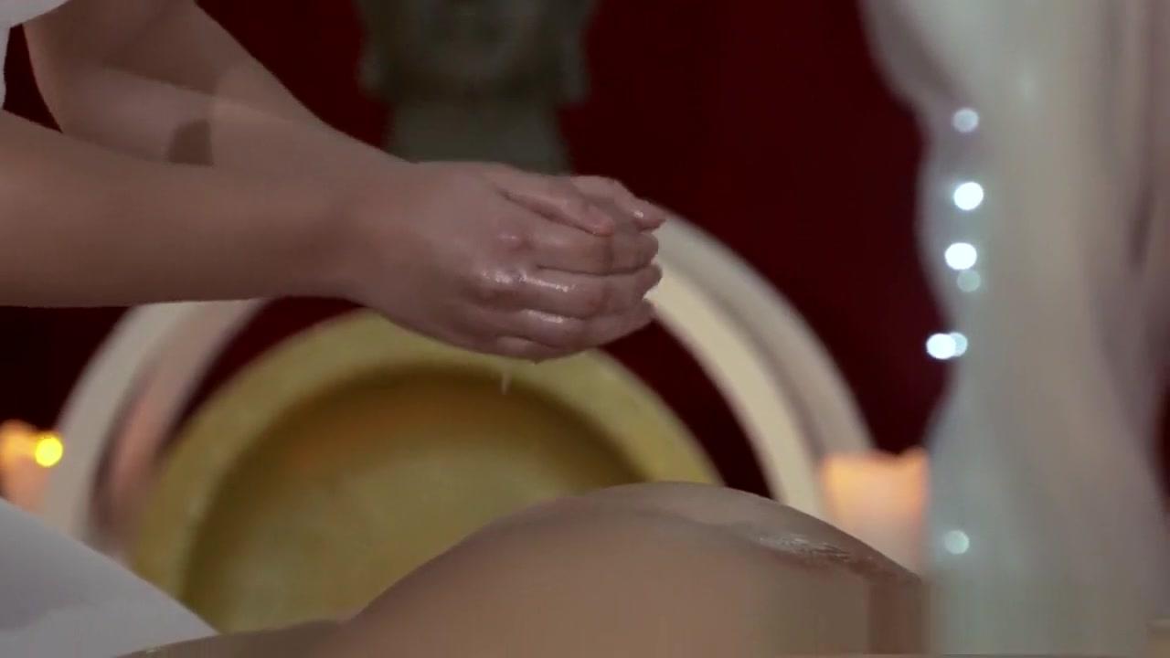 Sexes licking lesbin Threesome