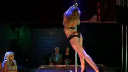 Sluts Arab masturbate lesbien
