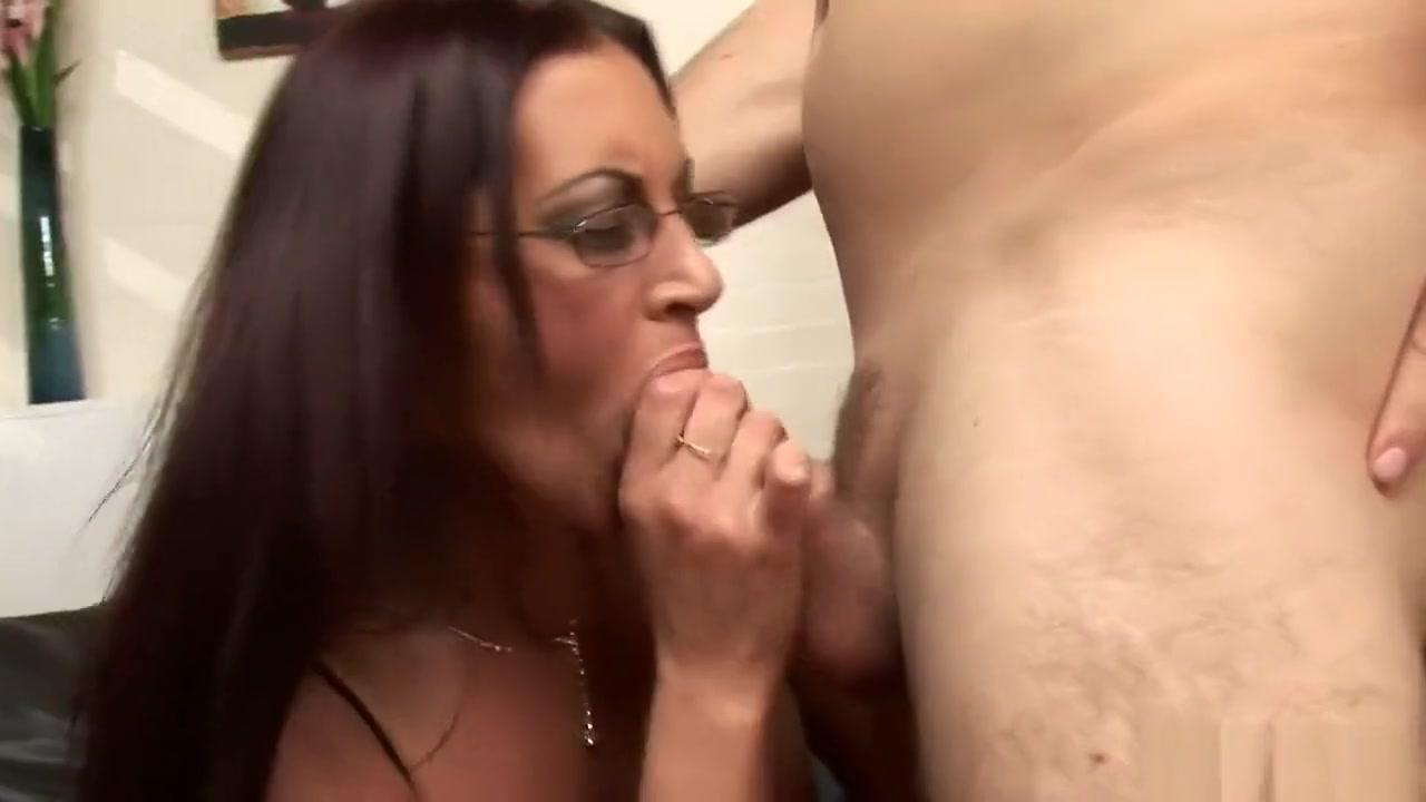 dude bangs her mature tushy massase photos
