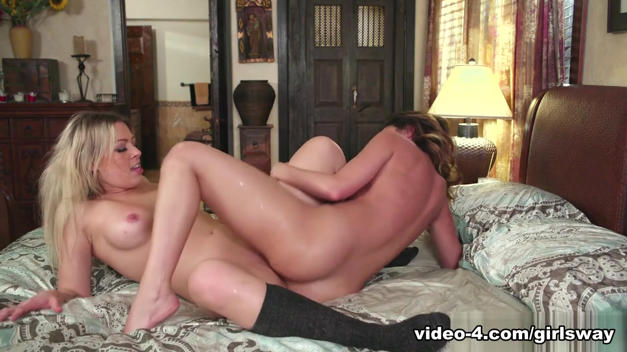 Sexo licking lesbios Pussey