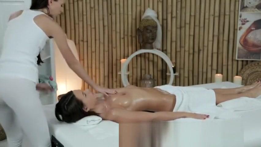 Teen women nude fully