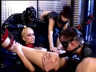 Latex Und Fisting Fat Pussy Being Fisted POV
