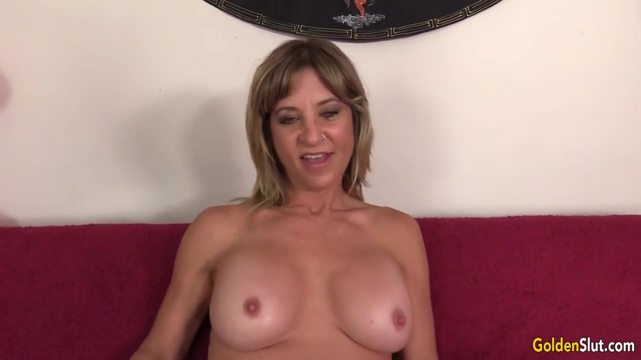 Mature Skyler Haven Shows Off Her Tempting Body and Orgasms with Sex Toys Sexy porn pic download