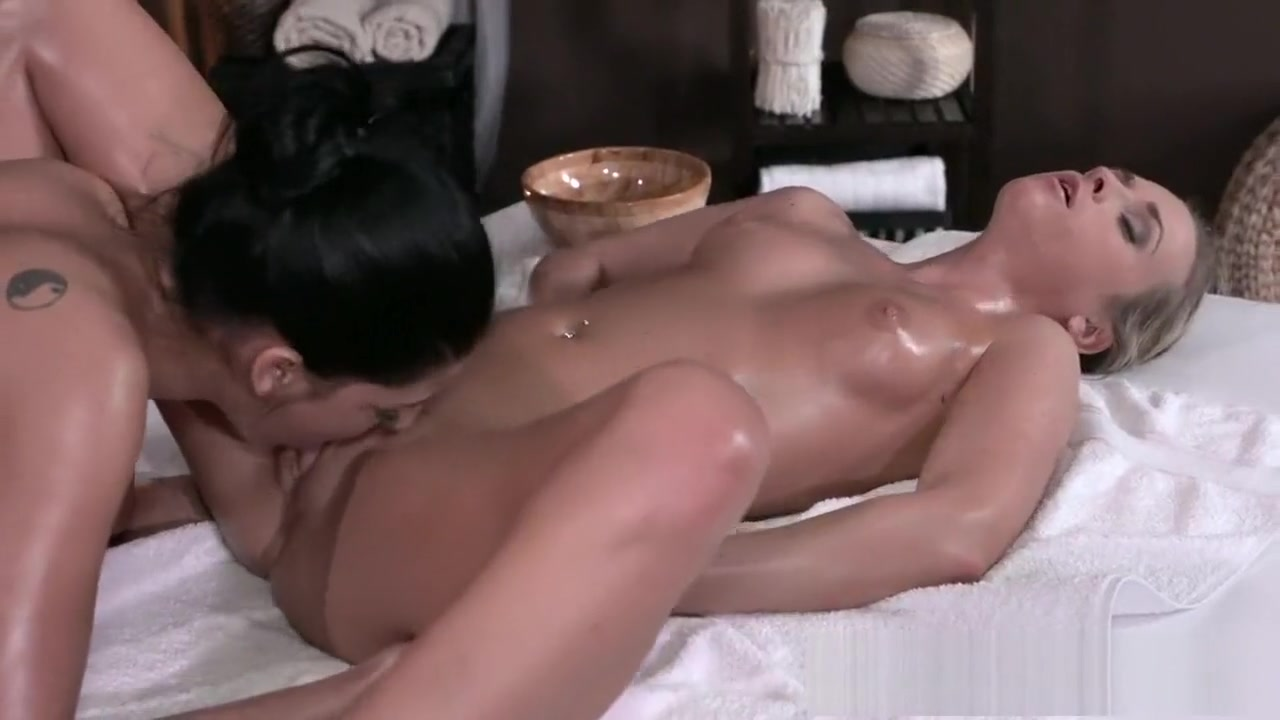 Piercings lesbion horny fucked