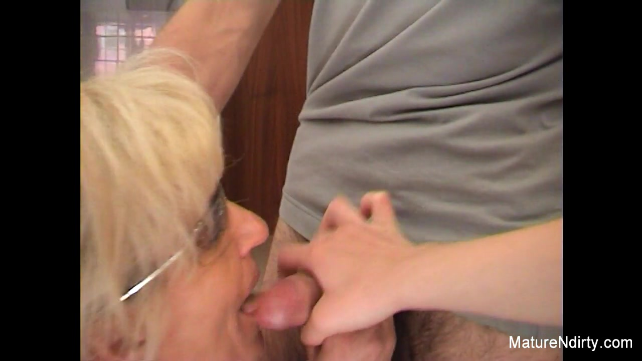 Mature Blonde Slut Receives An Anal Fucking - MatureNDirty Spreadeagle bondage thumbs