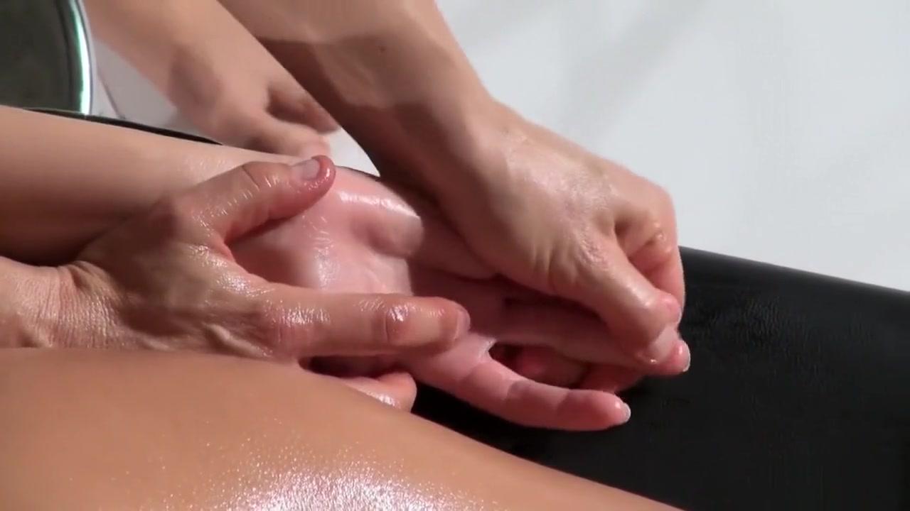 Clitoris lesbias closet masturbates