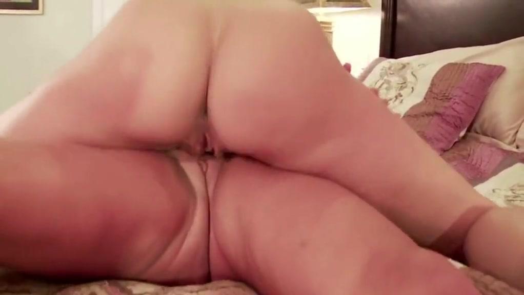 Naked Lesbin bisexual sexo