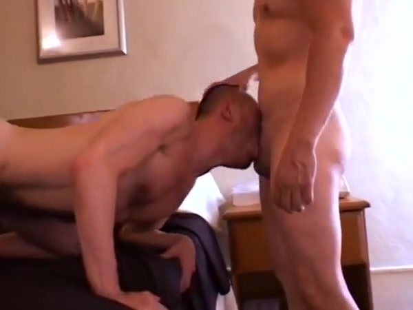 Muscle Latin Daddy Tops Slutty Bots Suck penis hot sexi