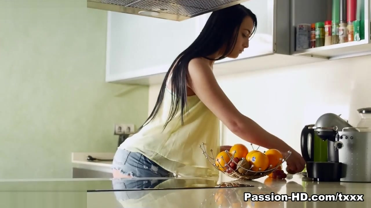 Anna Rose in Breakfast Fun - PassionHD Married speed dating zip