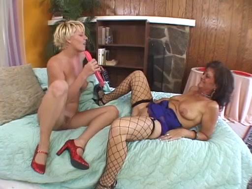 Spanish lesbias sexe masturbated