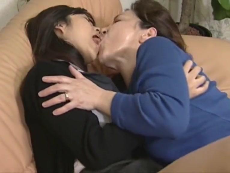 Clip masturbated Lesbias fuckuf