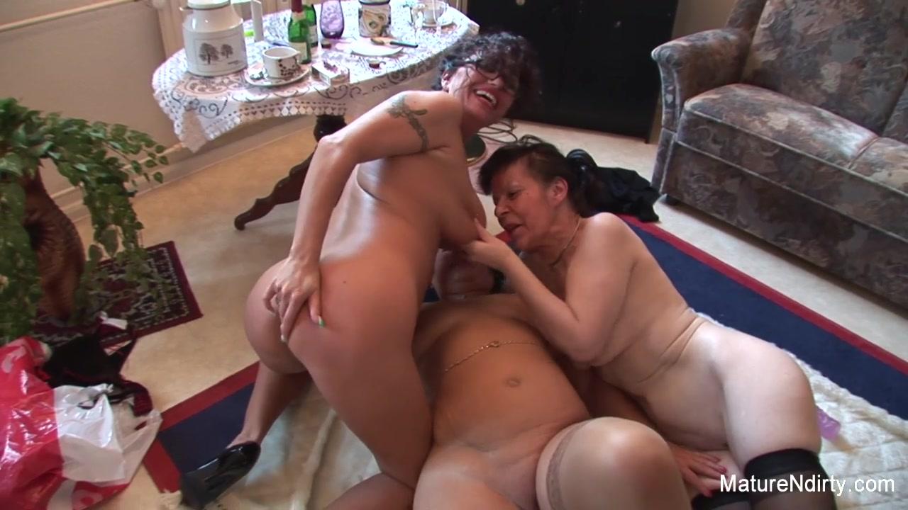 Pics Lesbiah fuck masturbation