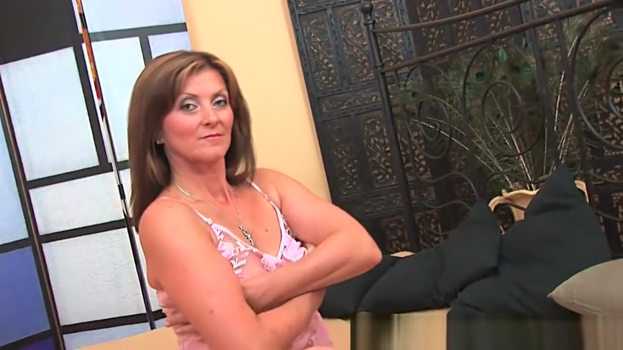 Horny milf gets a facial from the guy next door All My Best