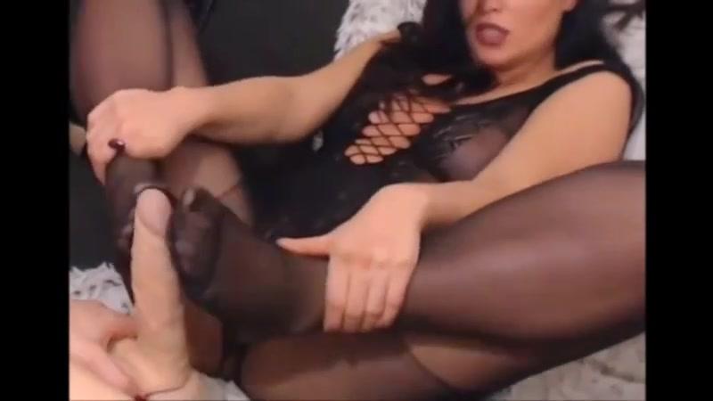 Porn Milfer fucked lesbianas