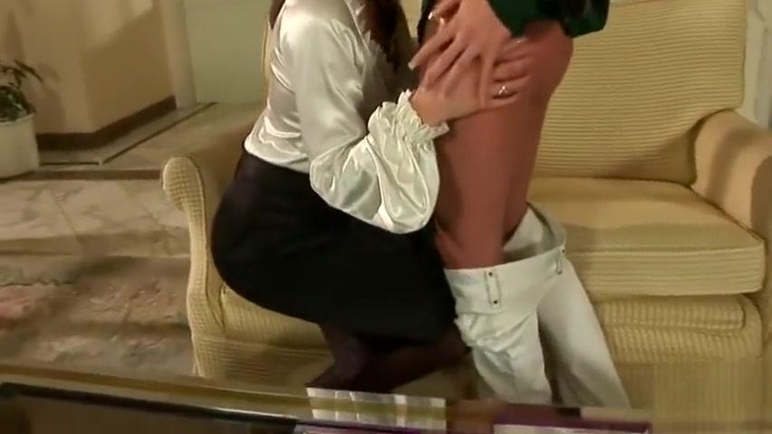 Porne orgasam lesbios Hidden