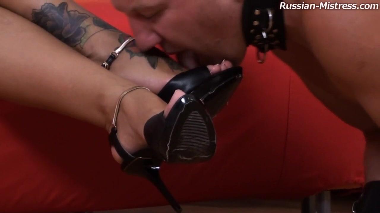 Megan Videos - Russian-Mistress milf in yoga shorts
