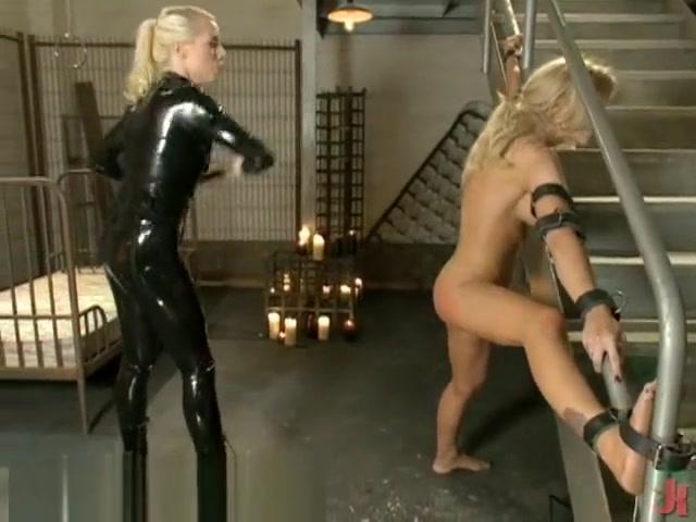 Angelina jolie arousing arena