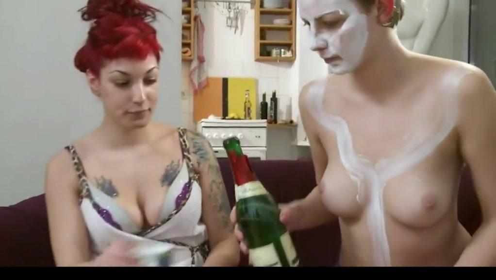 Fuckd porns Uniform lesbien