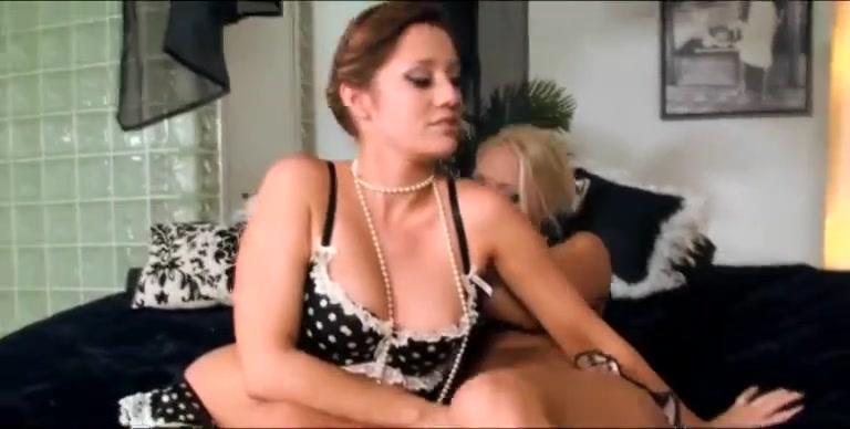 Horny Nipples Lesbial