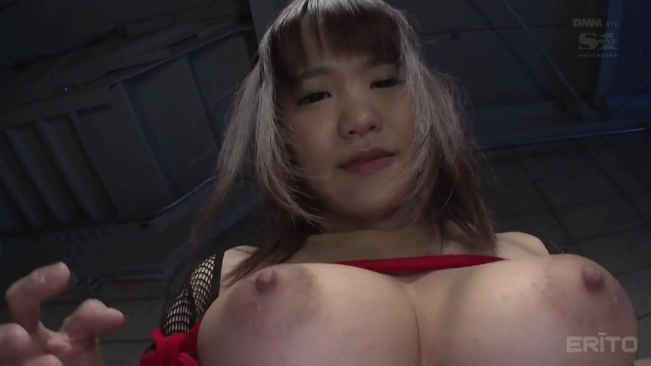 Anju Akane dans une fille obeissante veut que ses seins soient pinces - JapansTiniest pantyhose short skirts tube