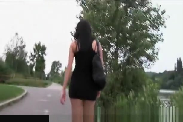 PublicAgent Fucking a tall brunette on public pathway Bbw black mature pussy play