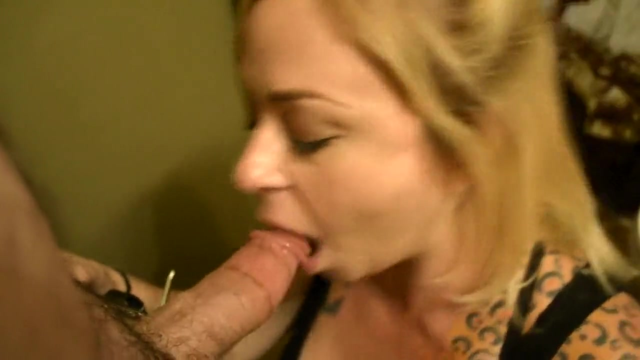 Getting my dick sucked in the bathroom Secretary office porno films