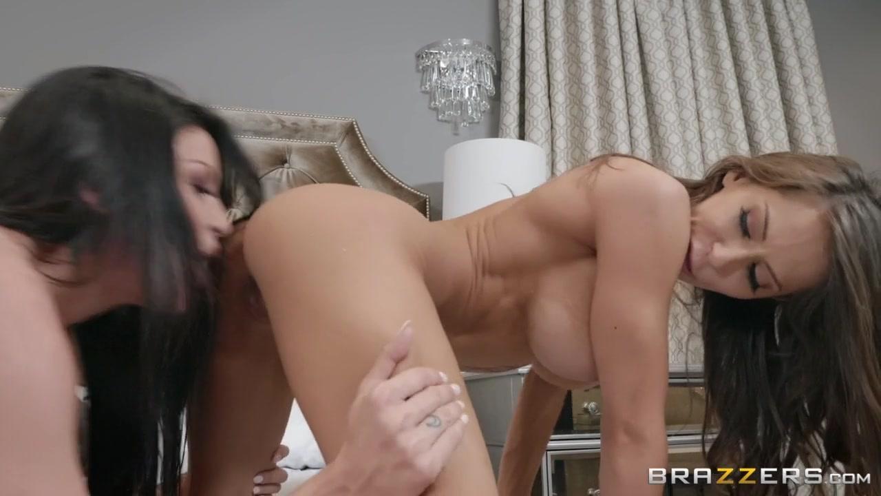 Naked wrestling gay oil
