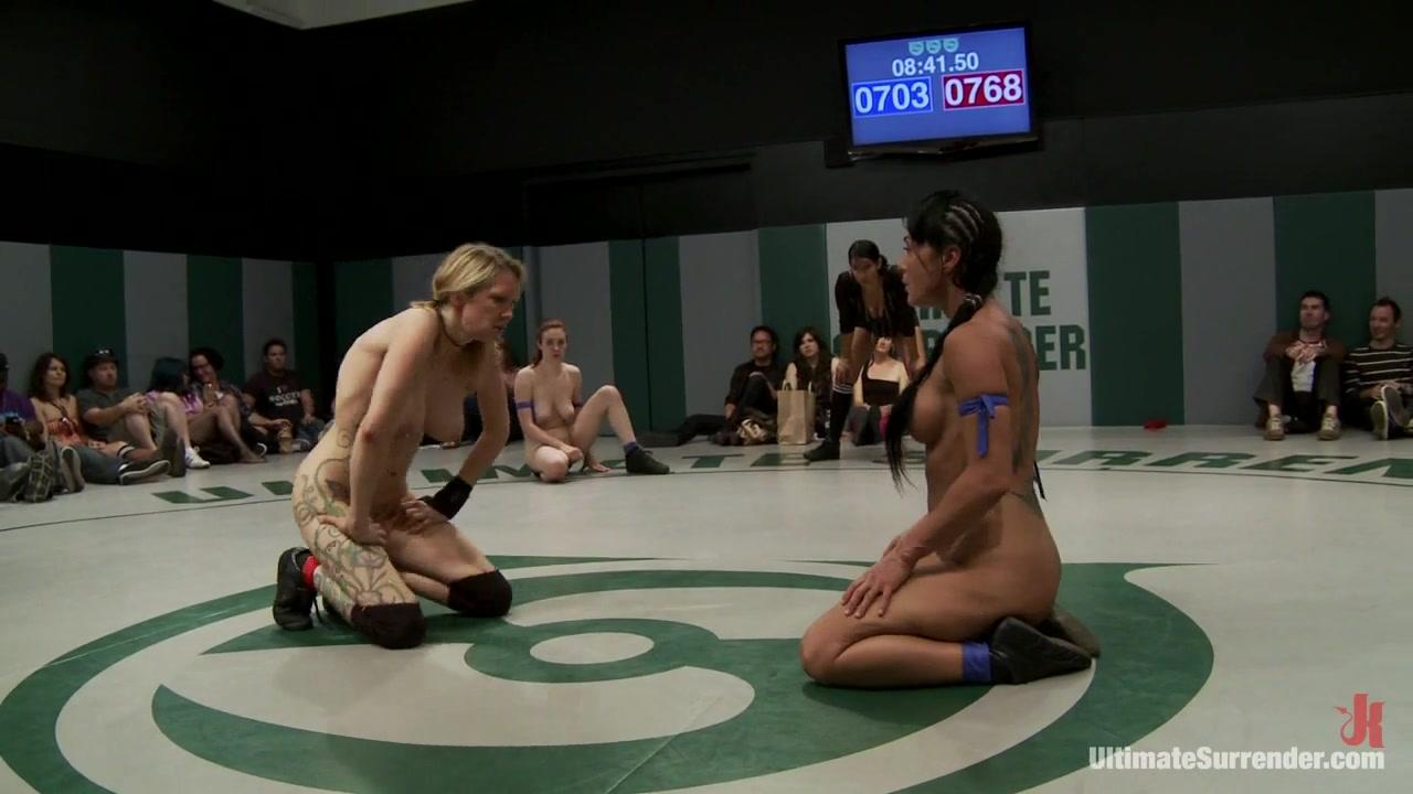 BDSM lesbios fuck fucked