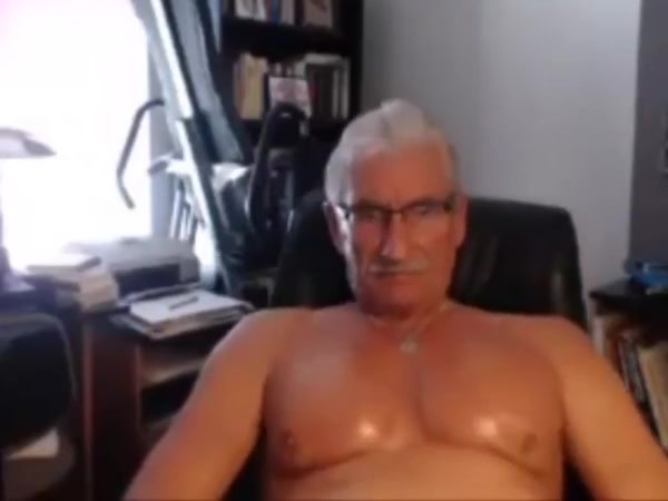 2781. Men having sex with big fat women