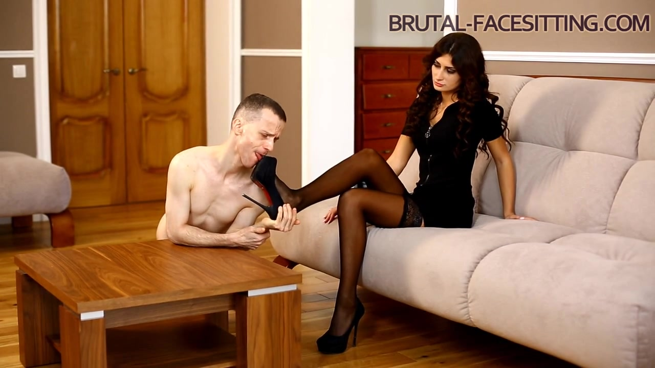 Sophia Deville Clips - Brutal-Facesitting Wife clothed and unclothed