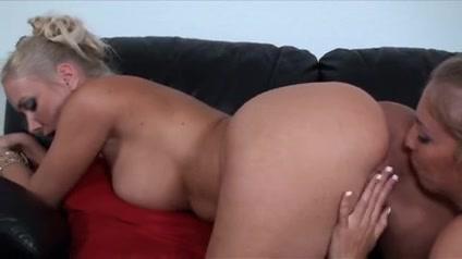 Sluty Natural fucked lesben