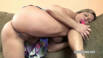 Sexually Excited housewife Leeanna bonks her toy Verjin girl porn images