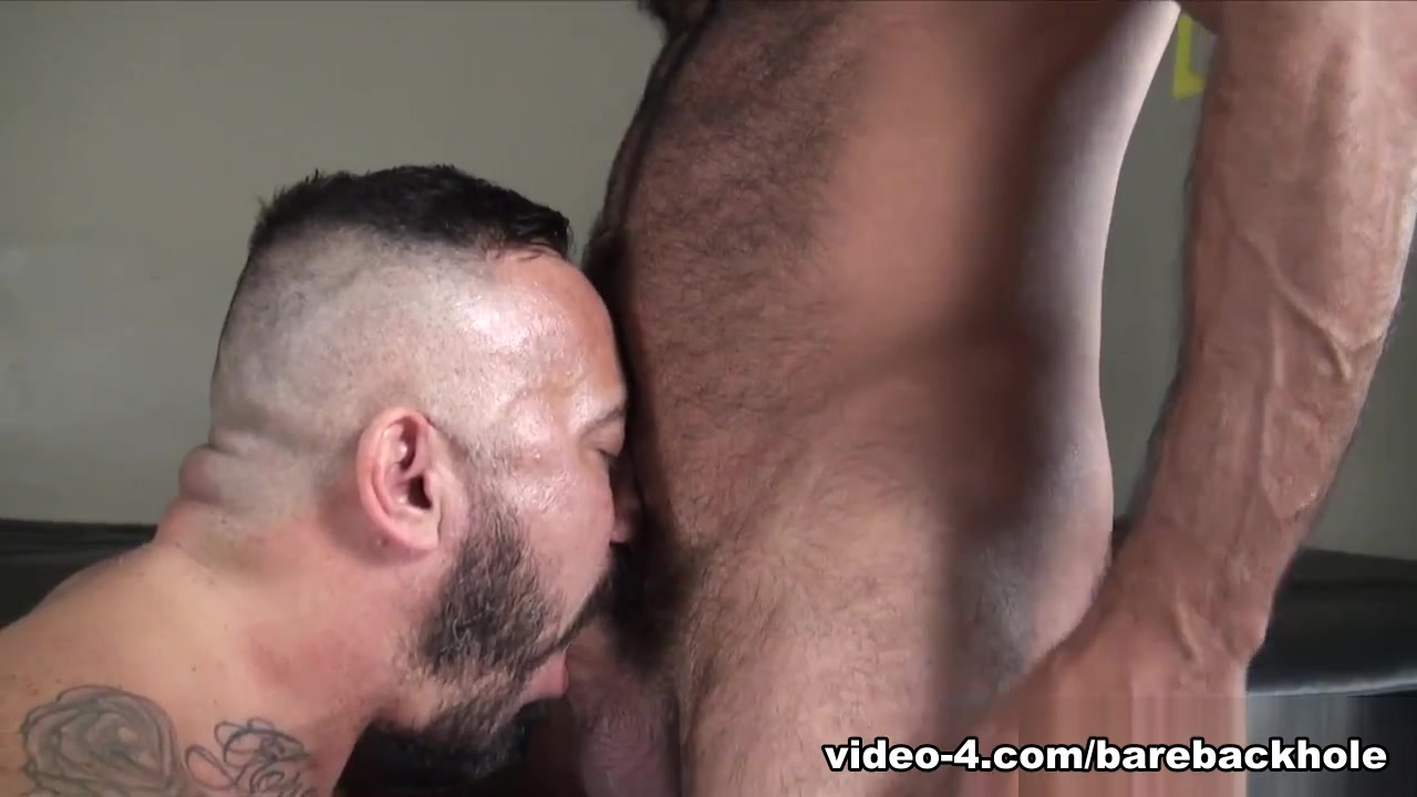 Alessio Romero et Vinnie Stefano - BarebackThatHole black man sex movie
