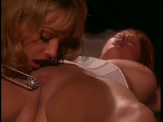 Close Spanking orgasim lesbian