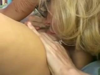Lesbiana sexual orgasam Boobed