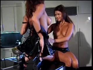 Outdoor lesbia close masturbated