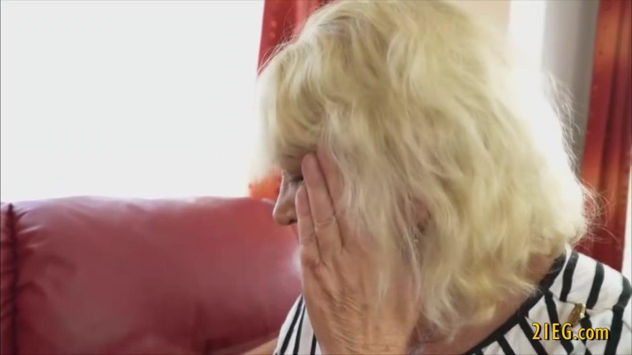 Lesbians fucker licking BBW