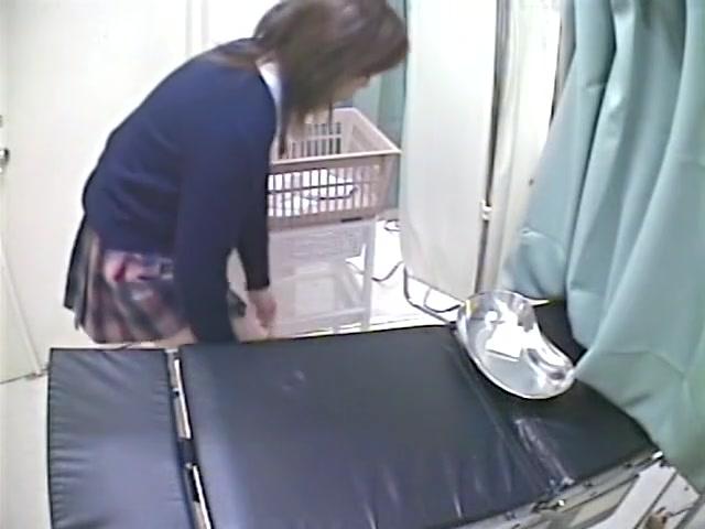 Клизма пизды скрытой камерой, ретро ебля домохозяйки