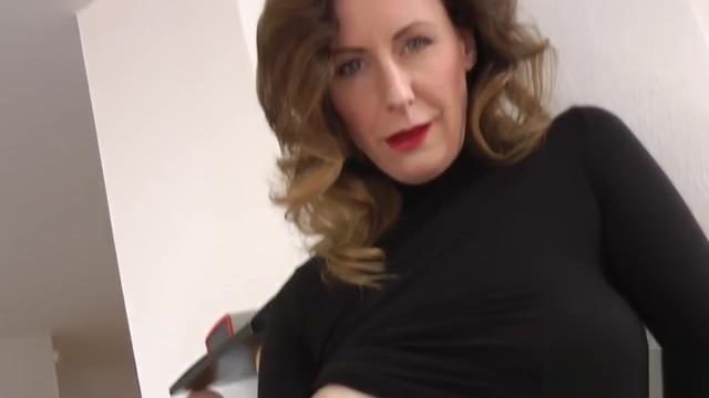 Nice Mom in Black-Dress Sexy japanese gallery