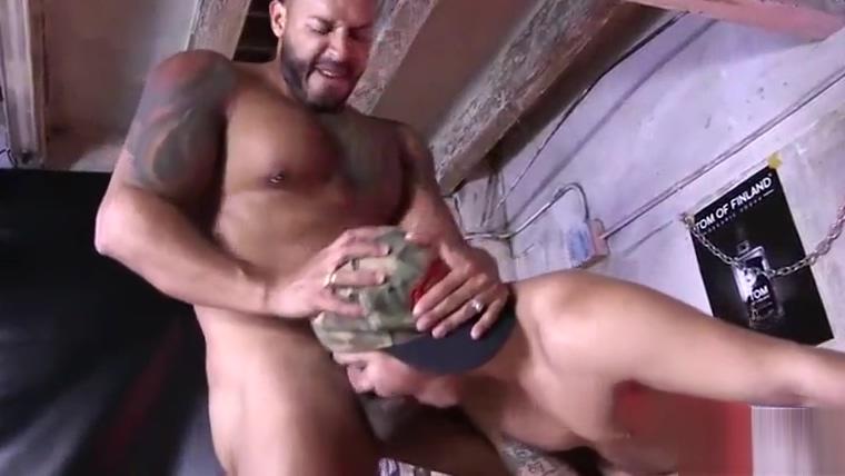 Viktor Rom comendo o passivo lindo Bastian Karin Sexy fakes bajina pono