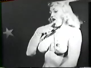 Retro Porn Archive Video: Danceformeburlesque What to say to her online dating