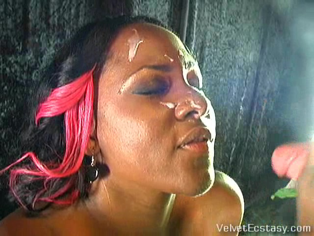 VelvetEcstasy Video: Platinum Heart