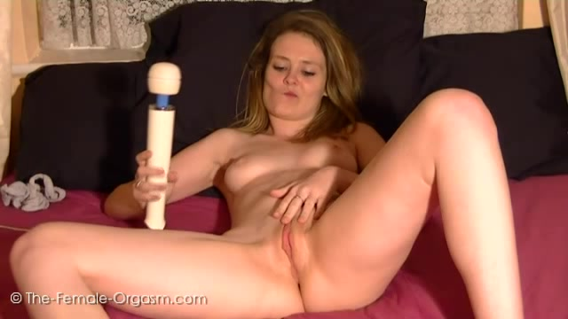 The Female Orgasm: Jessies Jeans Come Off Fingering your pussy solo