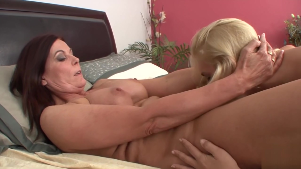 Busty MILF sixtynining with stepdaughter