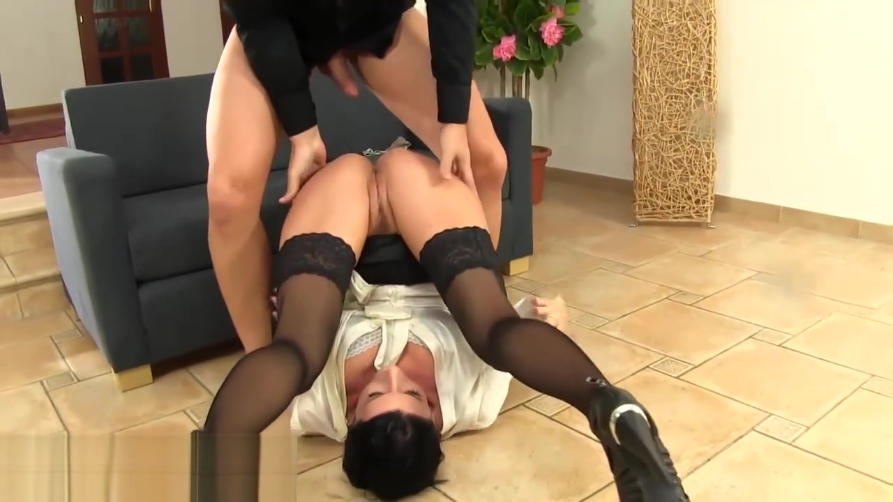Stockings milf drinks pee hanna verboom sex scene