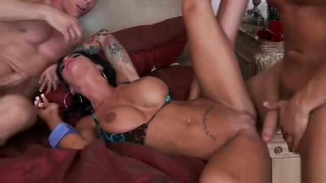 Tattoo wife threesome with facial Hong Kong strippers