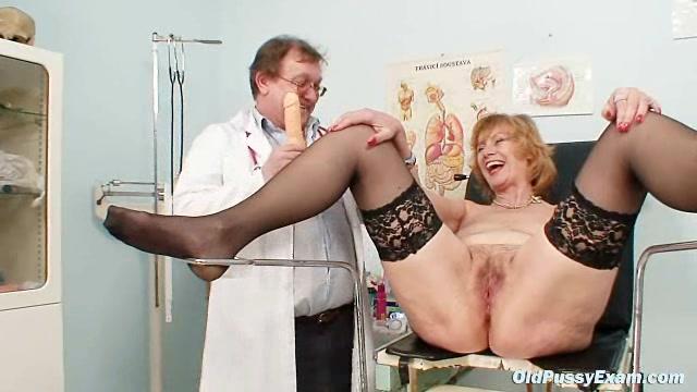 Redhead granny dirty pussy stretching in gyn clinic