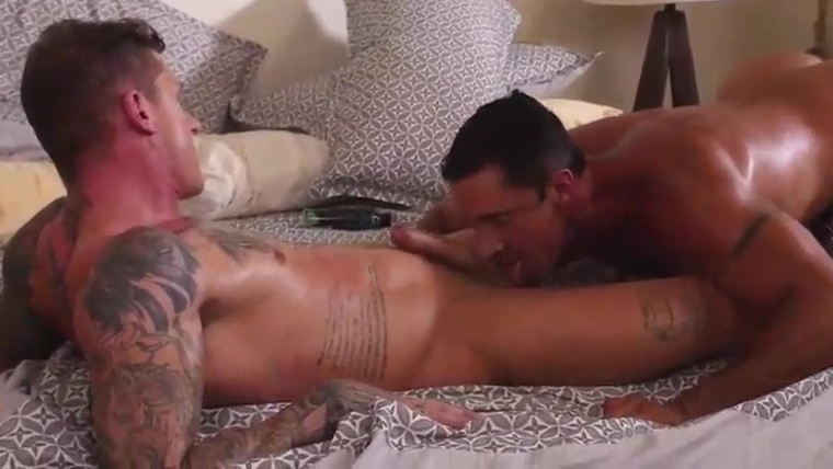 LE Geordie fucks Nick Capra British Milf Penny Strips Off And Fingers